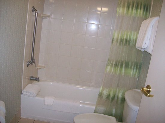 SpringHill Suites Florence: Shower in room