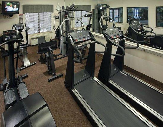 Quality Inn & Suites Near University: Fitness Center