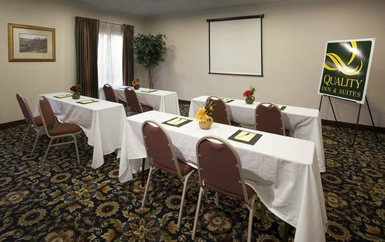 Quality Inn & Suites Near University : Meeting Room