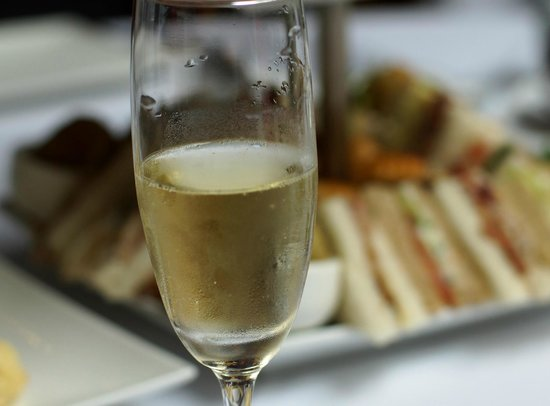 Lenzerheide Restaurant: Tiny beaded champage