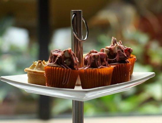 Lenzerheide Restaurant: This was the top layer - tiny rocky road cupcakes