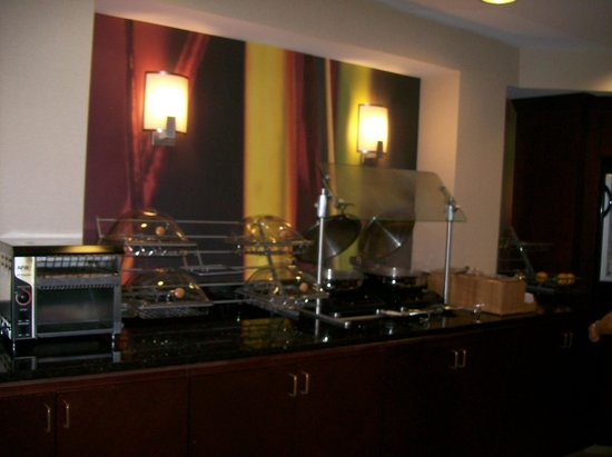 SpringHill Suites Florence: Breakfast Area