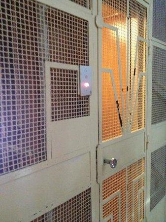 Hotel Esperia: asansor