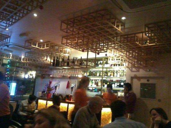 Guglee West Hampstead: restaurant inside