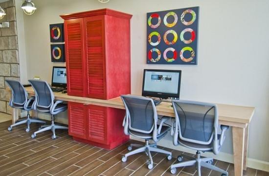 Home2 Suites by Hilton Jackson/Ridgeland: Business Center