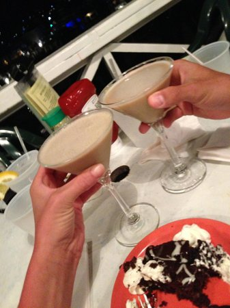 The Oar: generous chocolate martinis and delicious chocolate cake!