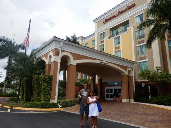 Hampton Inn & Suites Ft Lauderdale / Miramar: The hotel entrance.