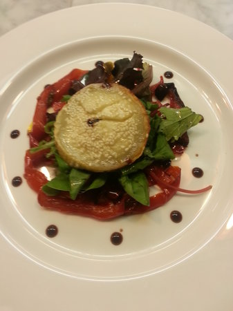 Bread Butter and Grill: Baked goat's cheese