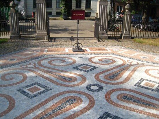 Hirschsprung Collection (Hirschsprungske Samling) : Marble pavement in front of Hirschsprung Collection