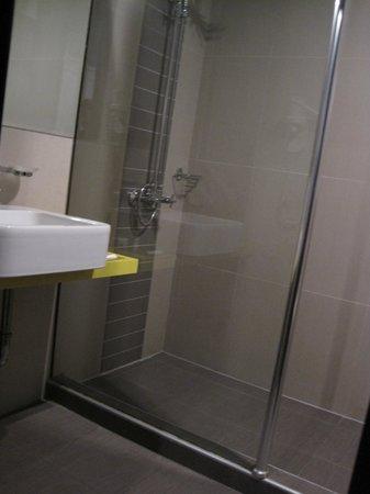 Hotel  Studio: Baño