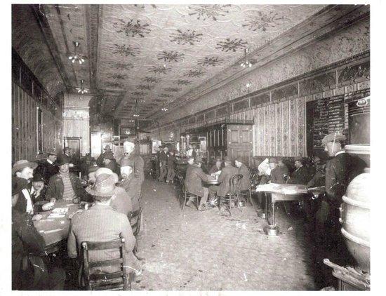 El Moro Spirits & Tavern : El Moro Saloon c. 1906