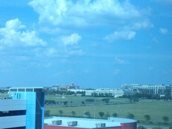 Hilton Garden Inn Tampa Airport Westshore: Raymond James stadium in back of International Plaza