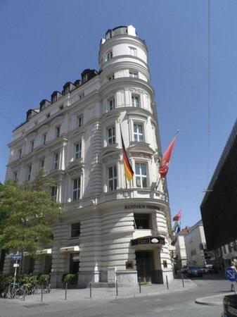 Mandarin Oriental, München: hotel exterior