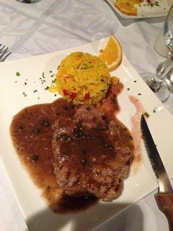 Restaurant Isla Blanca : filetto al pepe / filet at piovre