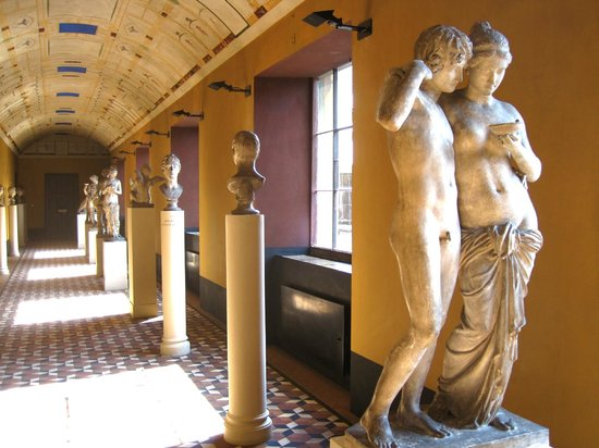 Thorvaldsens Museum : 'Cupid & Psyche' (1861) in South Corridor of Upper Floor