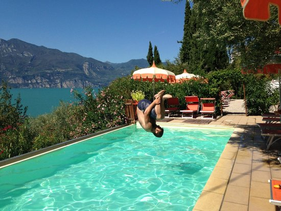 Gardasee Apartments: Spaß am Pool