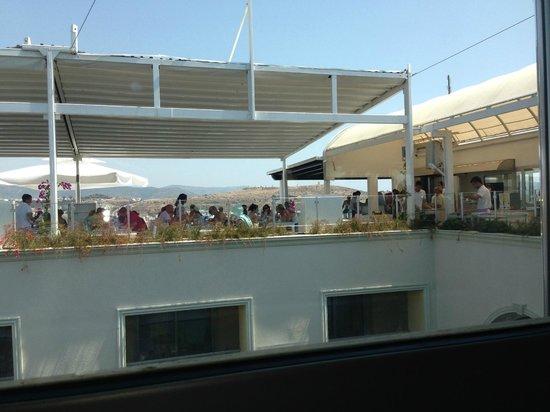 Royal Asarlik Beach : LA VUE DE L'AUTRE PARTIE DU RESTAURANT