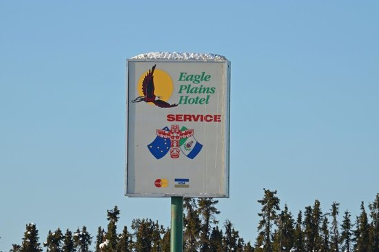 Eagle Plains Hotel: Eagle Plains at KM 368 of the Dempster