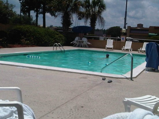 Best Western Savannah Gateway: pool2