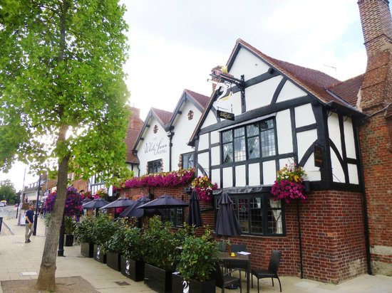 Stratford Town Walk: the Dirty Duck/Black Swan?