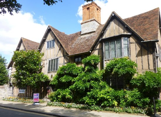 Stratford Town Walk: Hall's Croft - Susannah's home