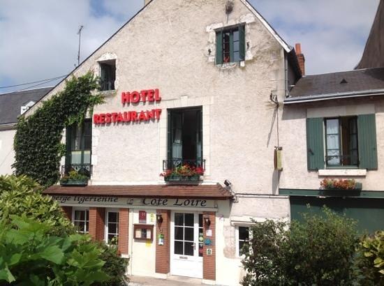 Cote Loire Auberge Ligerienne: hotel front
