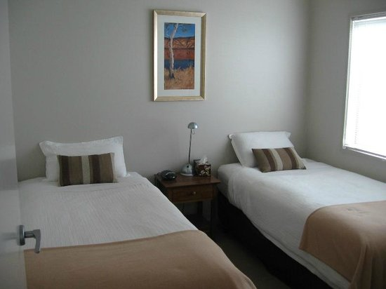 Luxury Abalina Cottages: Bedroom 3 with 2 king single beds (king long and king wide)