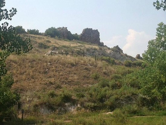Devil's Backbone Nature Trail: Devil's Backbone Trail