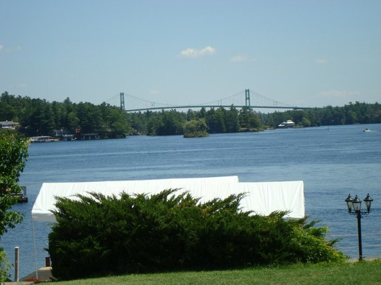 Smugglers Bar and Grill : View from the outside deck