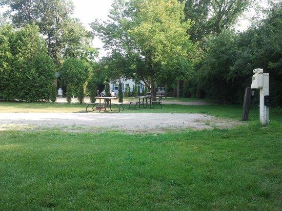 Emerald Lake RV Resort and Waterpark: Camp Site