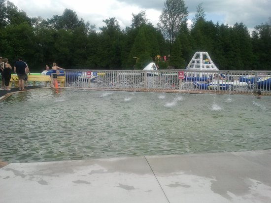 Emerald Lake RV Resort and Waterpark : Wading Pool for younger children