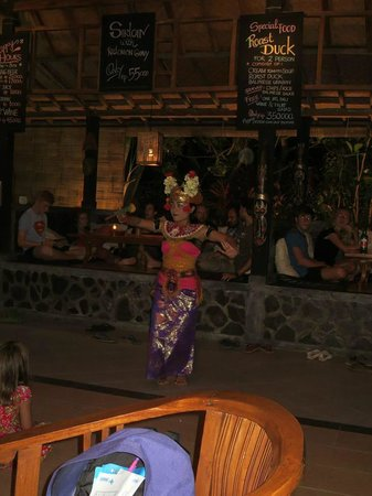 Astina Bar and Restaurant: Bali dance performance..