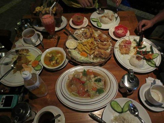 Astina Bar and Restaurant: Meals..