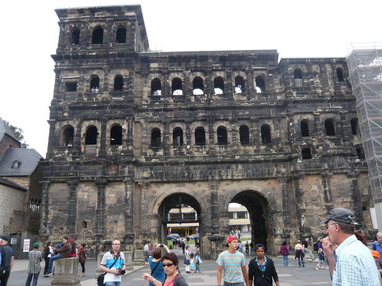Secrets of the Porta Nigra: Trier: Porta Nigra (Black Gate)