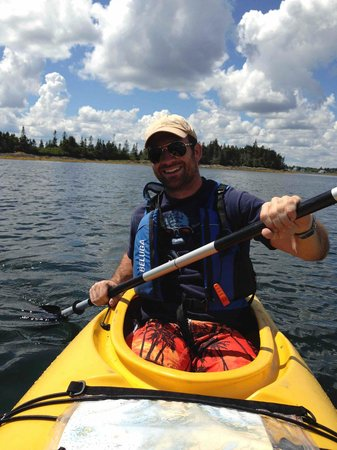 Pleasant Paddling: coolster in a Kayak
