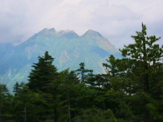 Hotaka Mountain Range: 穂高連峰・・・・雄大な山並
