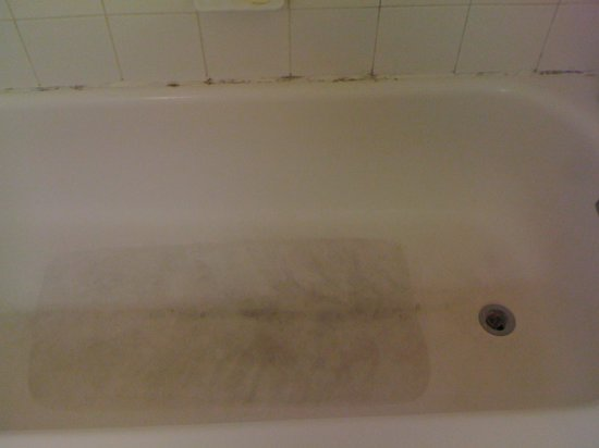 Extended Stay America - Nashville - Franklin - Cool Springs: bathtub