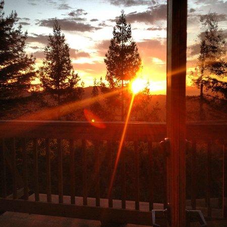 Mountain Home Inn: Sun rise :)