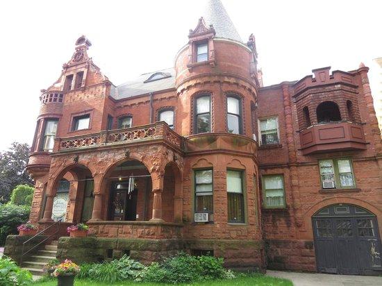 Schuster Mansion Bed & Breakfast: Schuster Mansion