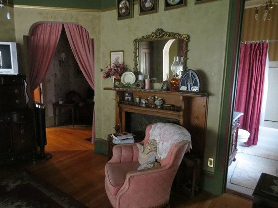 Schuster Mansion Bed & Breakfast: Room