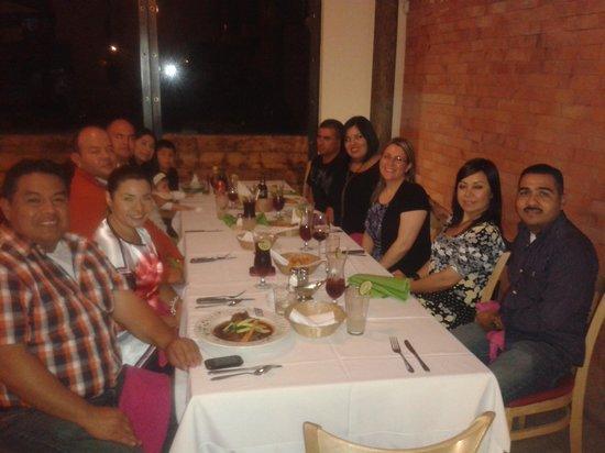 Sabor a Mi: Cenando cn amigos.