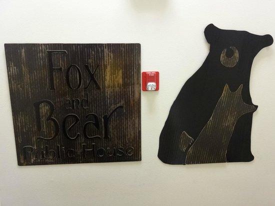 Fox and Bear Public House: Inside the restaurant