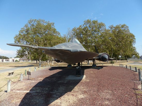 Castle Air Museum: SR-71 Blackbird at Entrance (Free!)