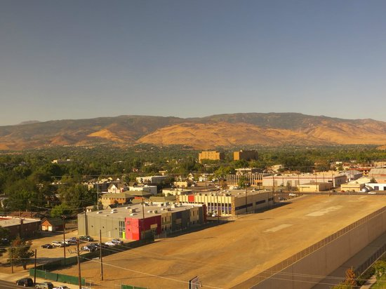 The Sands Regency Casino Hotel: morning view of Reno area