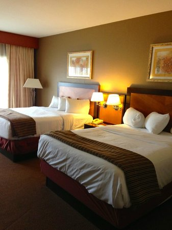 "Harrah's Ak-Chin Casino Resort : ""resort premium poolside queen room"""