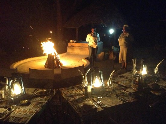 Royal Kruger Lodge: Four course dinner every night absorbing the Royal Kruger ambience