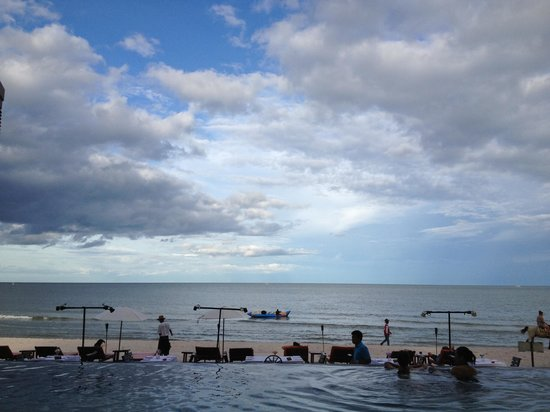 Laksasubha Hua Hin: View from pool
