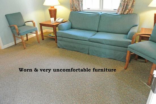Kentucky Dam Village State Park: worn uncomfortable furnishings