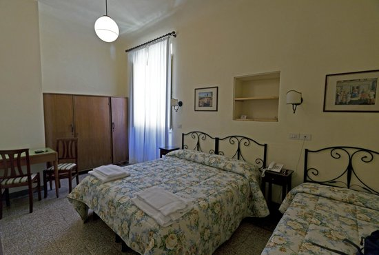 Hotel Scoti: double/triple room