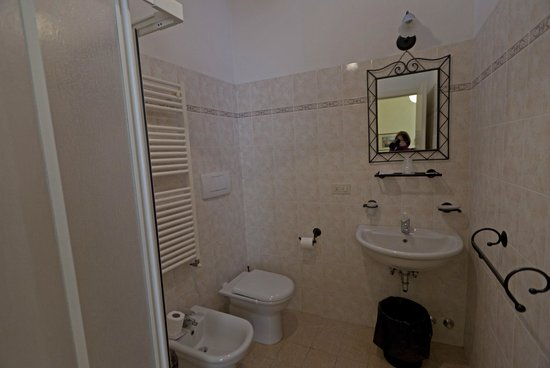 Hotel Scoti: bathroom